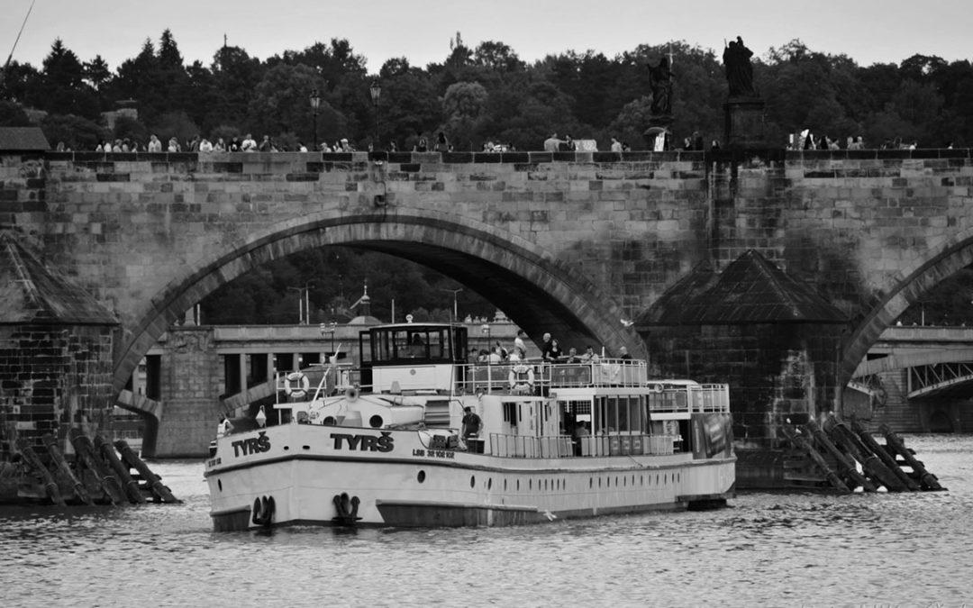 Limetall na lodi, Praha
